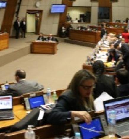 Cámara de Diputados aprueba ley contra la violencia hacia las mujeres