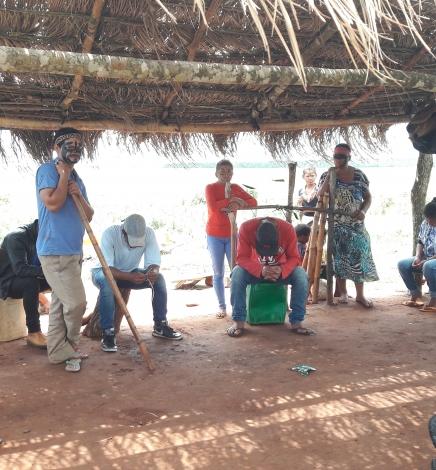 En un contexto de agro-negocios y zona de frontera el Estado deja en desamparo a los indígenas de Tacuara'í