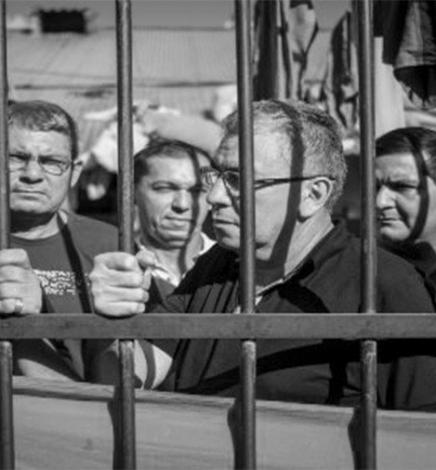 Muestra de fotografías y xilograbados de los 6 campesinos, en la Manzana de la Rivera