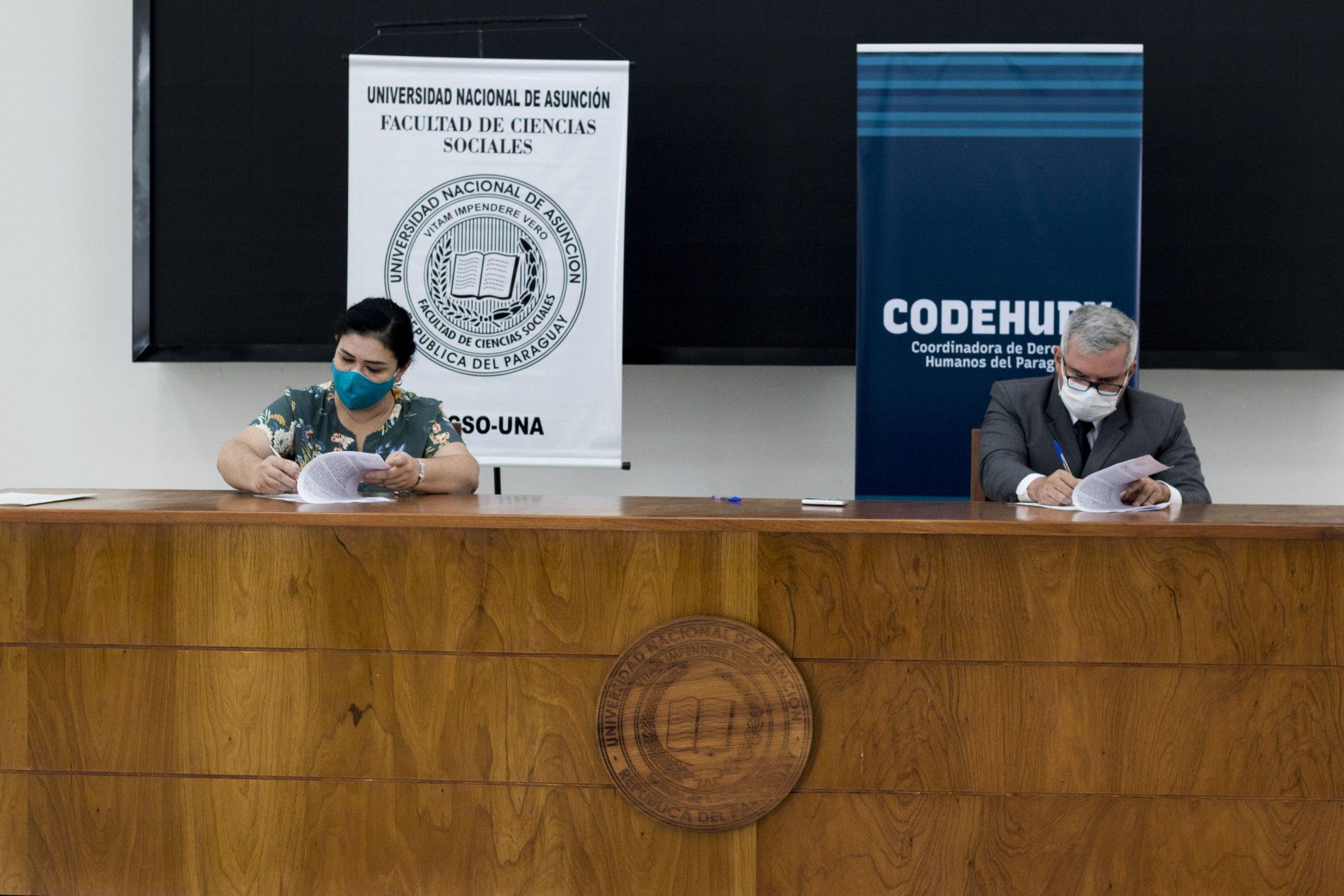 Firma de acuerdo entre la Codehupy, CDE y la Facso.