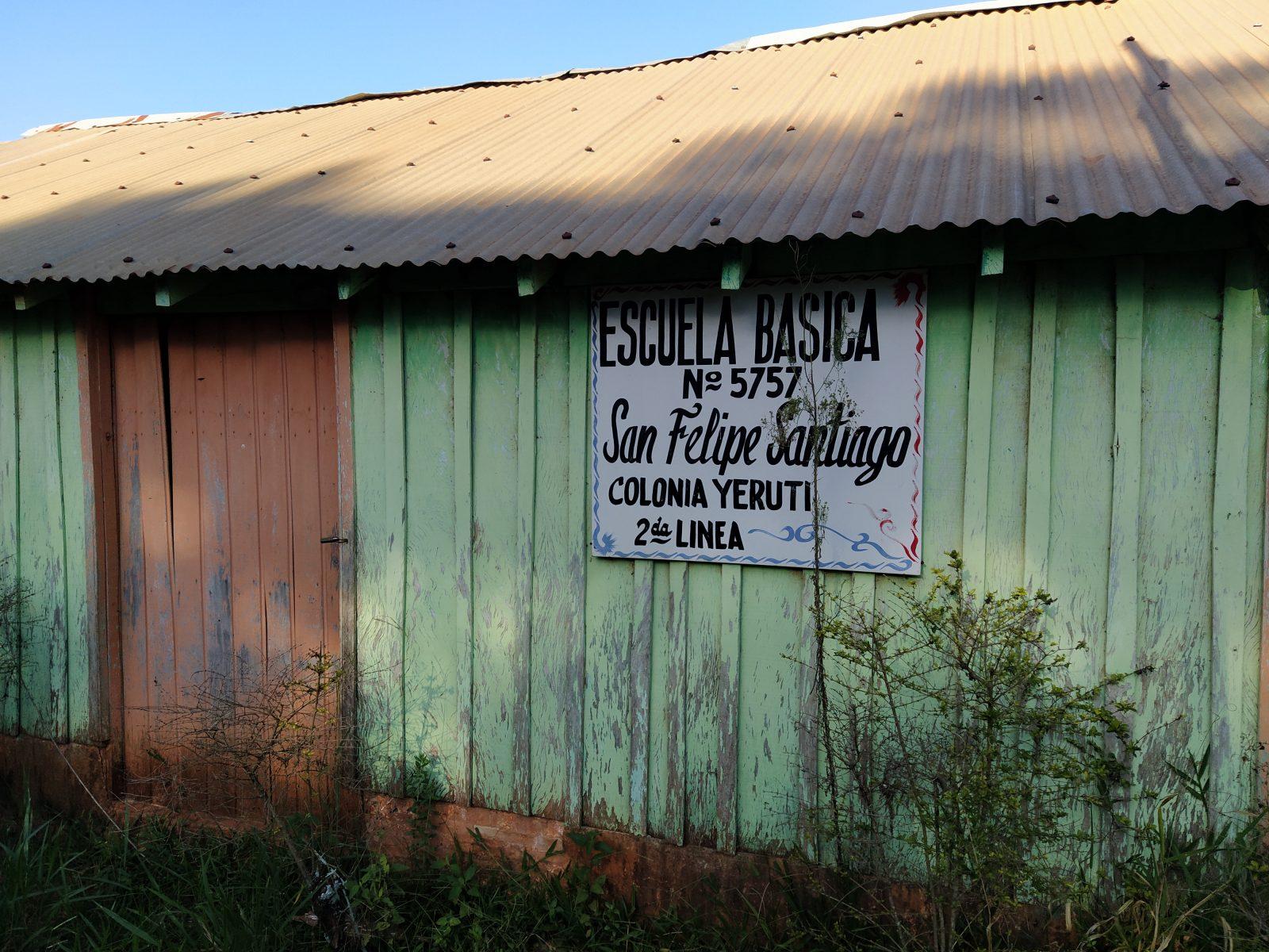 Escuela San Felipe y Santiago de Colonia Yeruti.