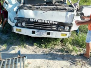 Vehículo accidente comunidad indígena kilómetro 40